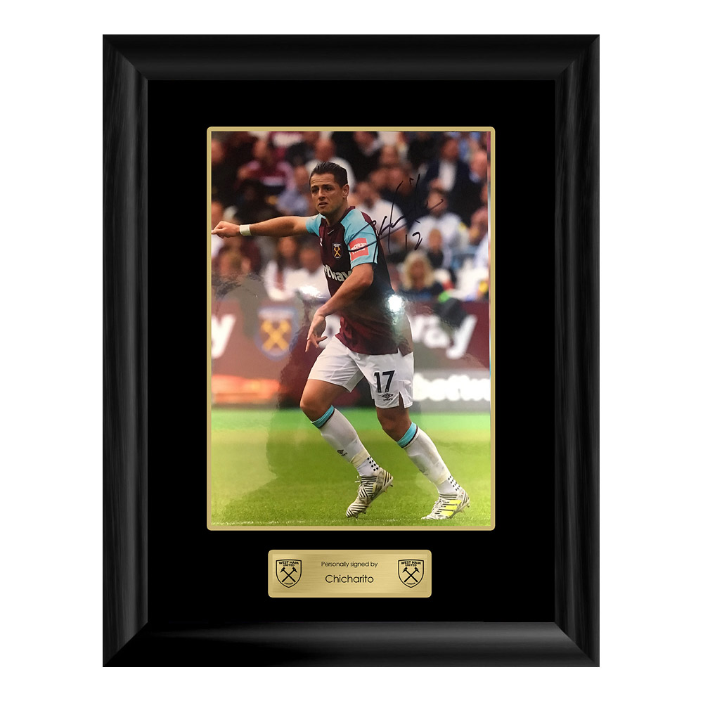 FRAMED 17/18 CHICHARITO SIGNED PRINT